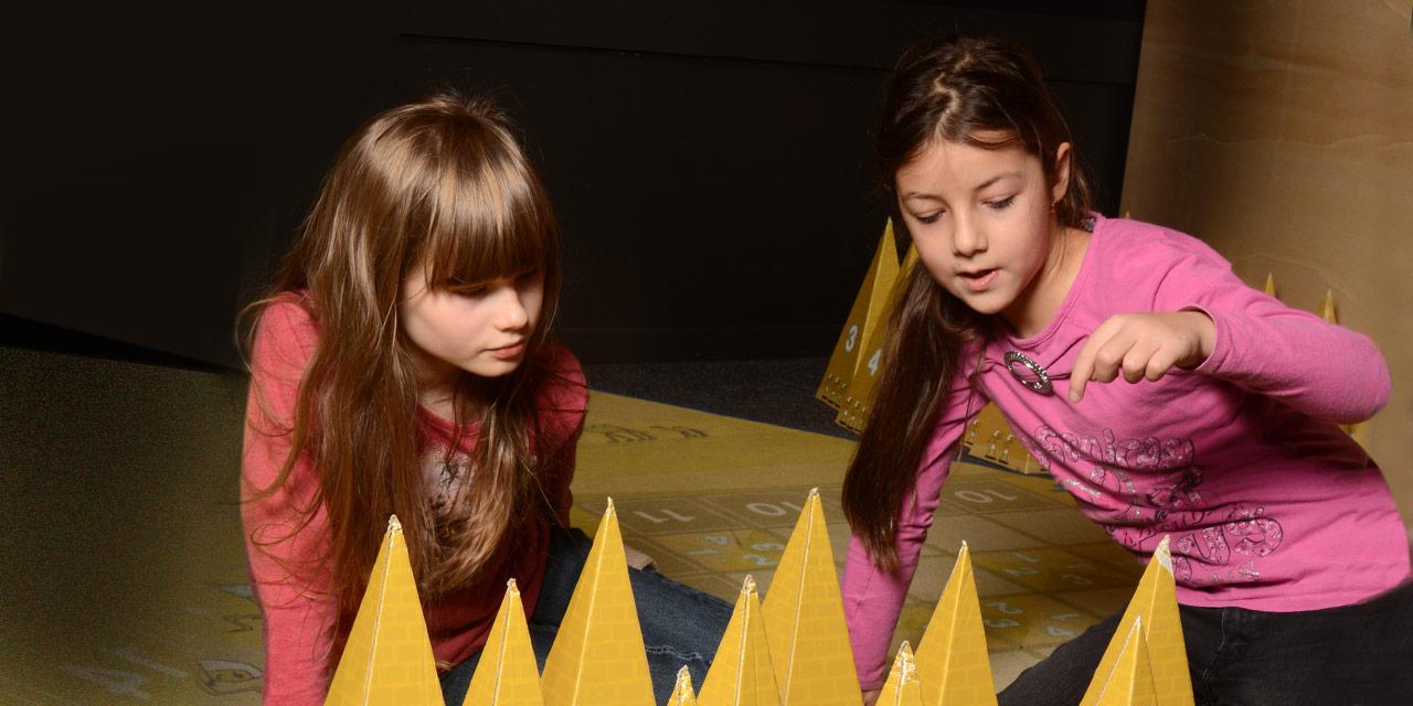 Ägyptische Pyramiden im Matheland. Foto: Iris Klesper, Nürnberg