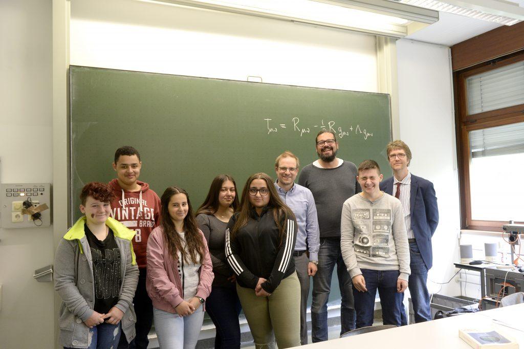 Prof. Dr. Sahlmann, Theoretische Physik